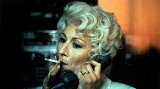 Anjelica Huston in Rischiose abitudini (1990)