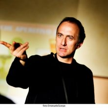 Il regista del film Stefano Sollima sul set di A.C.A.B.