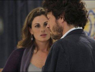 Vanessa Incontrada e Alessio Boni in un'intensa scena della miniserie di Canale 5, I cerchi nell'acqua
