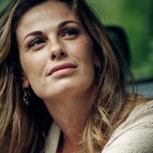 Vanessa Incontrada in una scena della miniserie di Canale 5, I cerchi nell'acqua