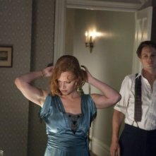 Boardwalk Empire: Gretchen Mol e Michael Pitt in una scena dell'episodio Under God's Power She Flourishes
