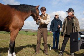 Steven Spielberg sul set di War Horse con Jeremy Irvine