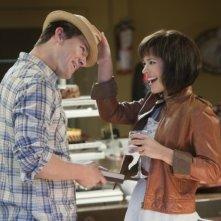 Rachel McAdams insieme a Channing Tatum in una simpatica immagine tratta dal romantico The Vow