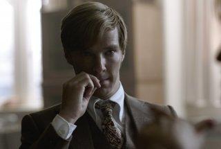 Benedict Cumberbatch in una scena del film La talpa