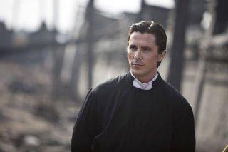 Christian Bale è John in The Flowers of War