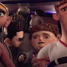 ParaNorman: Norman in fuga insieme ai suoi amici in una scena dell'avventuroso film d'animazione