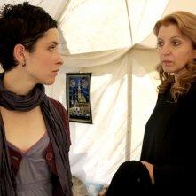 Zrinka Cvitesic in una scena del film Il sentiero insieme a Mirjana Karanovic