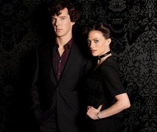 Benedict Cumberbatch e Irene Pulver in un'immagine promozionale della seconda stagione di Sherlock