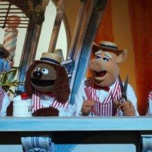 I Muppet: Sam, Rowlf the dog, Captain Link Hogthrob e Beaker in una scena del film