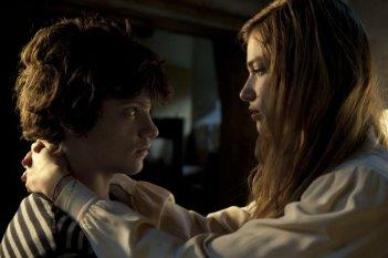 Io e te: Tea Falco e Jacopo Olmo Antinori in una tenera immagine tratta dal film