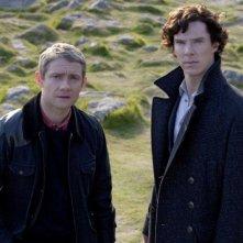Martin Freeman e Benedict Cumberbatch in un'immagine promozionale della seconda stagione di Sherlock