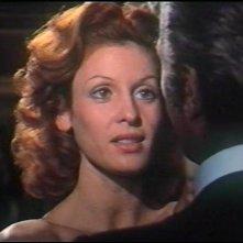 L'assassino ha riservato nove poltrone: Paola Senatore e Chris Avram in una scena del film