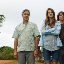 Paradiso amaro: George Clooney insieme a Shailene Woodley e Nick Krause in una scena del film