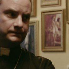 Evan Helmuth in una scena dell'horror demoniaco L'altra faccia del diavolo
