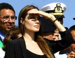 Angelina Jolie a Lampedusa nel 2011