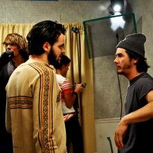 Matias Masucci sul set di On Holiday con James Duvall