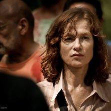 Captive: Isabelle Huppert nei panni di Thérèse in una scena del film