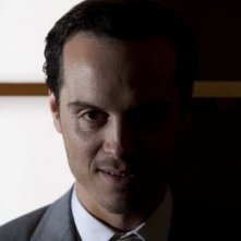 Sherlock: Andrew Scott in una scena dell'episodio A Scandal in Belgravia