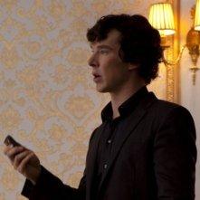 Sherlock: Benedict Cumberbatch in un momento dell'episodio A Scandal in Belgravia