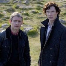 Sherlock: Martin Freeman e Benedict Cumberbatch nell'episodio The Hounds of Baskerville