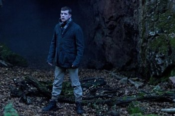 Sherlock: Russell Tovey in una scena dell'episodio The Hounds of Baskerville