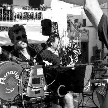 Il regista Paolo Genovese sul set del suo film Immaturi - Il viaggio