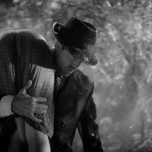 Jason Patric in una scena tratta dal thriller drammatico Keyhole