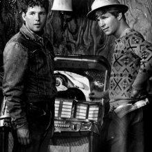 Timothy Bottoms e Jeff Bridges in tenuta da lavoro ne L'ultimo spettacolo
