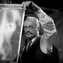 Udo Kier in una scena del thriller drammatico Keyhole