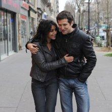 Leïla Bekhti e Guillame Canet nel film Une vie meilleure