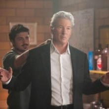 Richard Gere in una scena del film The Double insieme a Yuriy Sardarov