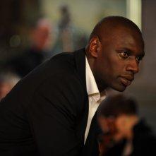 Omar Sy in un'immagine tratta dal film Intouchables