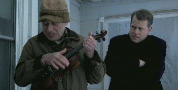 Alan Arkin e Greg Kinnear in una scena di Thin Ice