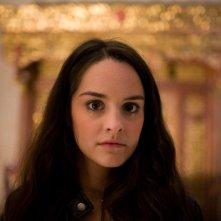 la bella Noémie Merlant è la protagonista di L'orpheline avec en plus un bras en moins