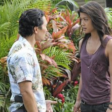 Hawaii Five-0: Daniel Dae Kim e Grace Park in una scena dell'episodio Mea Makamae