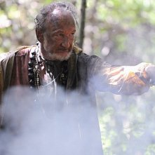 Hawaii Five-0: Robert Englund in una scena dell'episodio Ka Iwi Kapu