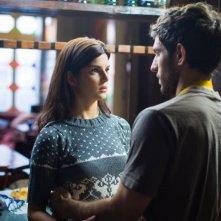 La verità nascosta: Quim Gutiérrez in una scena del film insieme a Clara Lago