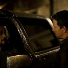 Mark Wahlberg e Giovanni Ribisi in Contraband