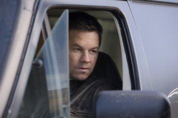 Mark Wahlberg in Contraband: una scena del film.
