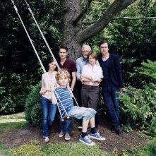 Il cast di Home for the Weekend in una foto promozionale