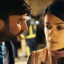La chispa de la vida: Salma Hayek insieme a Fernando Tejero in una scena del film