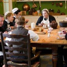 Albert Nobbs: Mia Wasikowska in una scena del film insieme a Brenda Fricker e agli altri servitori