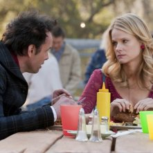 Justified: Joelle Carter e Walt Goggins nell'episodio Brother's Keeper
