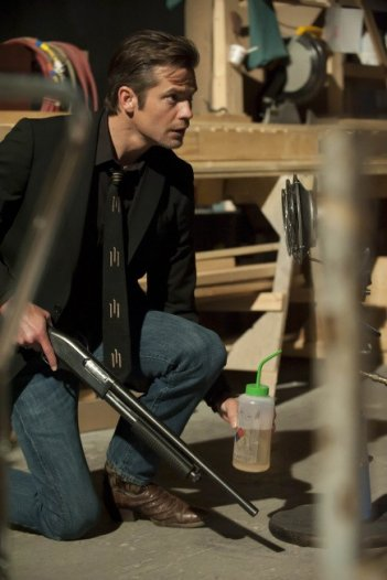 Justified: Timothy Olyphant nell'episodio Debts and Accounts