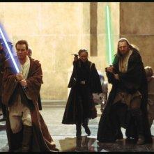 Liam Neeson, Ewan McGregor e Natalie Portman in una scena di Star Wars: Episode I - La minaccia fantasma 3D