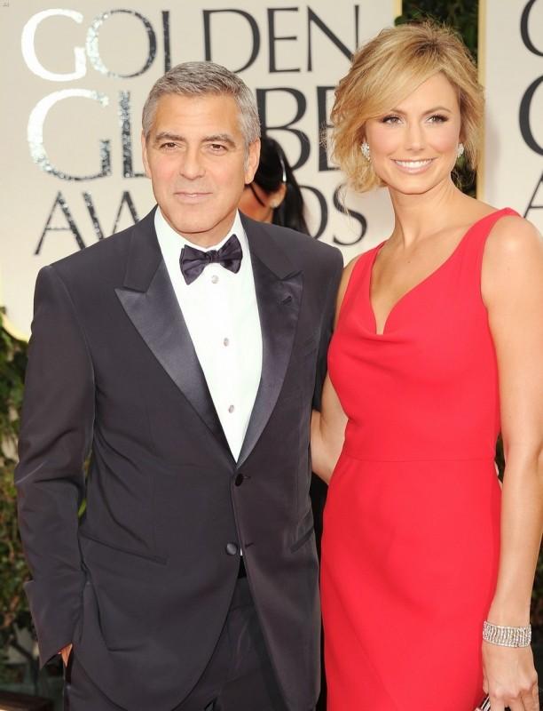 George Clooney E Stacy Keibler Sfilano Sul Tappeto Rosso Dei Golden Globes 2012 229223