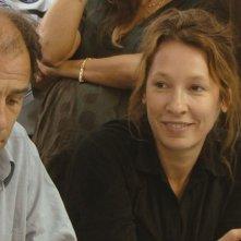 Polisse: Emmanuelle Bercot insieme a Frédéric Pierrot in una scena del film