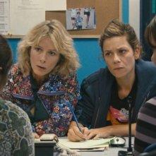 Polisse: Karin Viard insieme a Marina Foïs in una scena del film