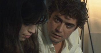 Riccardo Scamarcio e Maïwenn Le Besco in una scena del film Polisse