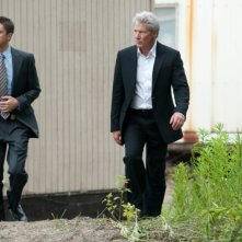 Richard Gere e Topher Grace in una scena del thriller poliziesco The Double